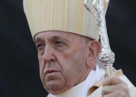 Papa Francisc nu va oficia slujbele de Anul Nou şi din 1 ianuarie