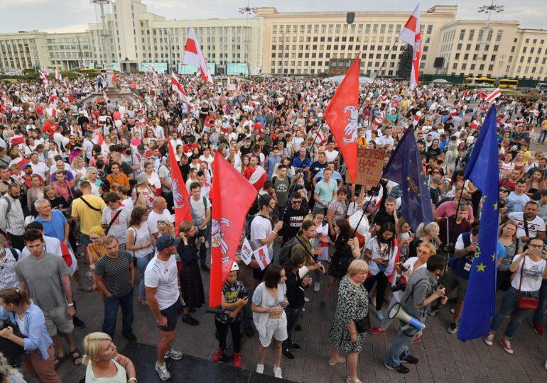 Lidera protestatarilor din Belarus, inculpată pentru periclitarea securităţii naţionale. Riscă până la 5 ani de închisoare