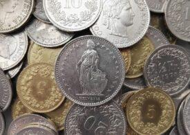 Curs valutar: Euro scade puțin, dar francul elvețian sare de 4,5 lei