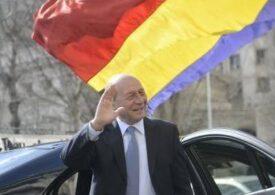 Băsescu, despre creșterea pensiilor: PNL minte la fel ca PSD