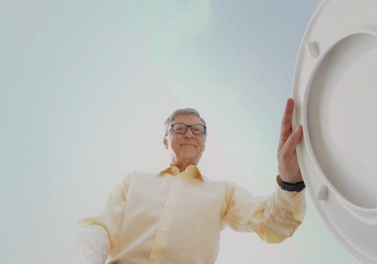 S-a vaccinat Bill Gates: Unul dintre avantajele de a avea 65 de ani