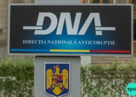 Radu Mazăre şi Decebal Făgădău au fost trimişi în judecată pentru vânzarea unor terenuri de la Mamaia