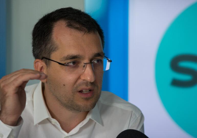 Vlad Voiculescu: Orice vot pentru Nicușor Dan și USR-PLUS este un vot pentru o schimbare profundă pe care o promitem și o vom realiza după 27 septembrie. Orice vot pentru Traian Băsescu este fix un vot pentru Gabriela Firea - Interviu video (P)