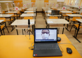Școală online înainte și după alegeri, pentru dezinfectarea claselor