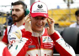 Mick Schumacher calcă pe urmele tatălui său și câștigă cursa de pe legendarul circuit de la Monza