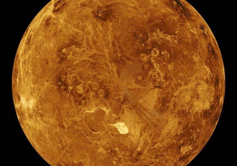 Astronomii au descoperit posibile indicii de viaţă pe Venus