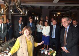 Ambasadorul român în Belarus şi alţi diplomaţi europeni, din nou în vizită la scriitoarea Svetlana Aleksievici