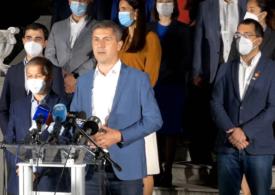 Barna: Forţa care luptă cu PSD-ismul este USR-PLUS /  Cioloş: Aveţi în faţă o nouă forţă politică a României
