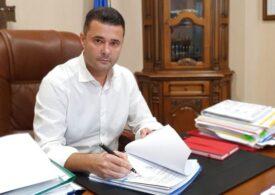 Plângere penală la DNA împotriva primarului Daniel Florea. E acuzat că a dat un tun de 1 milion de euro la final de mandat, folosindu-se de copii