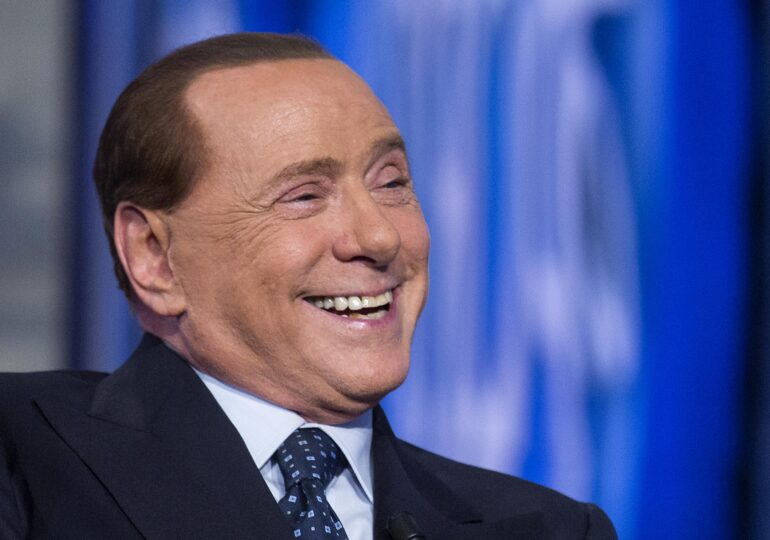 """Berlusconi, în spital cu coronavirus. Medicul lui spune că """"faza este delicată"""""""