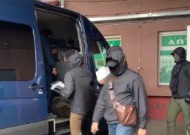 Un lider al opoziției din Belarus a fost arestat de bărbaţi mascaţi, îmbrăcați în civil (Video)