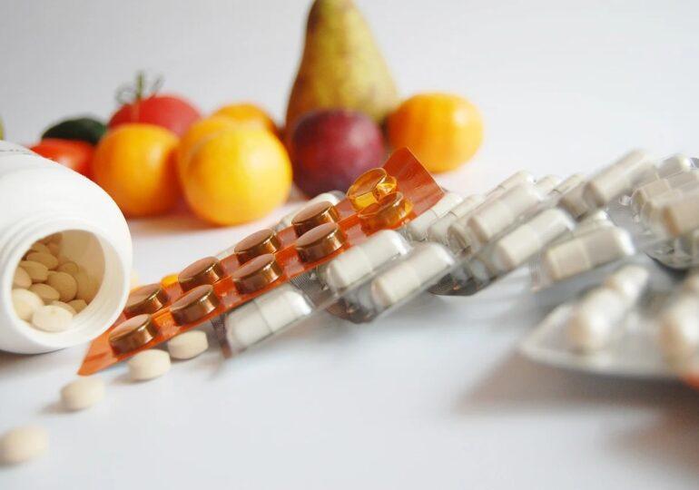 Avocatul Poporului cere plafonarea preţului la unele alimente de bază şi la medicamente