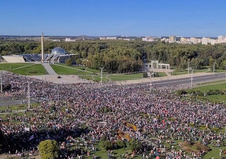 Noi proteste antiguvernamentale în capitala Belarusului: Zeci de mii de oameni sunt în stradă (Video)