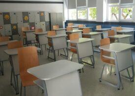 Tot mai multe unități de învățământ trec la scenariul roșu, din cauza Covid. Sunt cu 115 mai multe decât în prima zi de școală