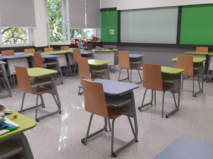 Recomandări pentru elevi înainte de începerea şcolii: Cum trebuie purtată masca, ce înseamnă distanţă fizică în clasă și în curtea şcolii