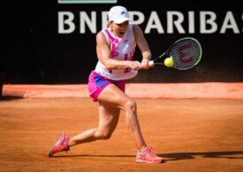 Simona Halep merge în semifinale la Roma, după ce adversara ei s-a retras în setul doi