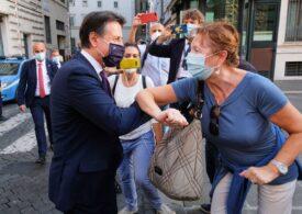 Italienii vor fi obligați în curând să poarte mască permanent în exterior