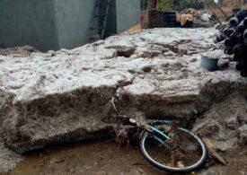 Imagini incredibile dintr-o localitate din Constanța, care a fost îngropată sub un strat de un metru de grindină