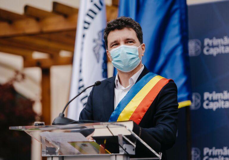 Nicuşor Dan spune că în București sunt destule paturi ATI și mai cumpără dacă trebuie, dar n-are destui medici pentru ele