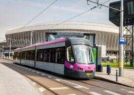 Tramvaiele Astra Arad au început deja să circule la Cluj. Când pot spera și bucureștenii la garnituri noi