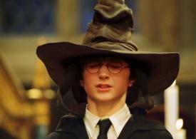 """Un volum """"Harry Potter şi Piatra Filozofală"""" a fost vândut cu 60.000 de lire sterline"""
