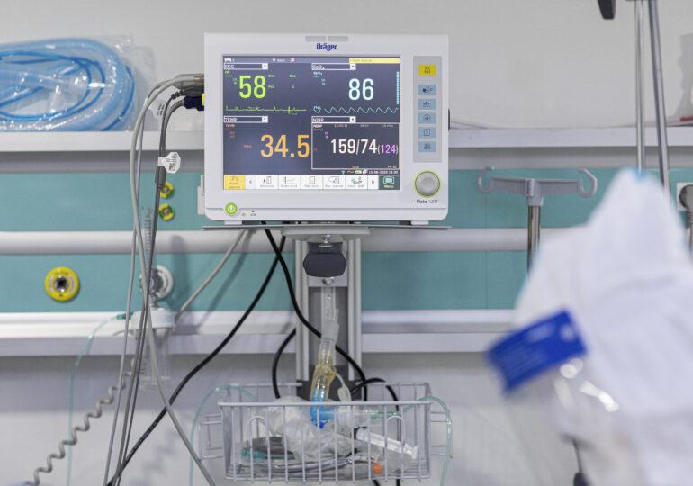 O româncă e primul pacient din Marea Britanie care primește un tratament revoluționar anti-COVID