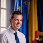 """Ionuț Moșteanu, USR: Președintele ar trebui să cheme la consultari partidele, AEP. Orban a mințit! – <span style=""""color:#ff0000;font-size:100%;"""">Interviu video</span>"""
