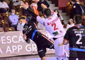 În Spania a avut loc un meci de handbal în care toți jucătorii au purtat mască de protecție