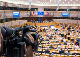 PE cere Comisiei Europene să obţină din partea SUA eliminarea vizelor pentru toţi europenii, inclusiv pentru români, și lansează un avertisment