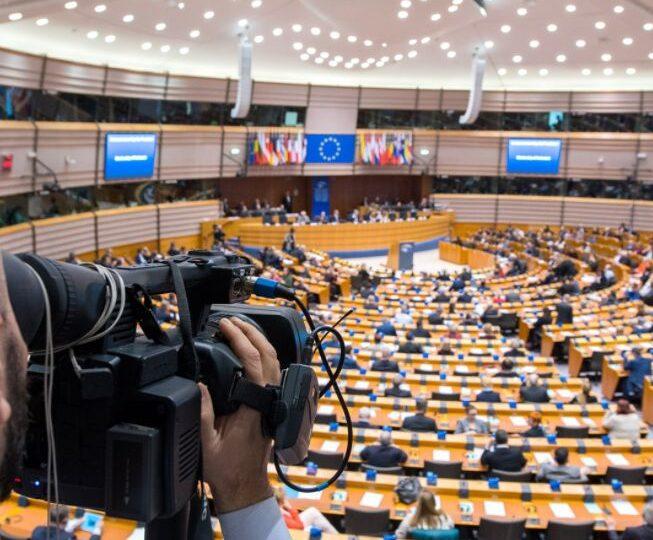Ce înseamnă votul PE pentru sancționarea statelor care nu respectă drepturile LGBTIQ+, inclusiv România