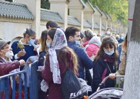 De ce la români pelerinajele în pandemie nu sunt o idee bună, oricât de bine ar fi organizate - reportaj printre pelerinii veniți la Sfântul Dimitrie cel Nou