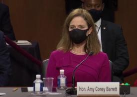 Au început procedurile pentru confirmarea judecătoarei Amy Barrett la Curtea Supremă