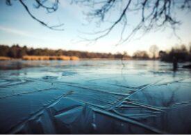 Înotul în apă rece ajută creierul mai mult decât ne-am fi putut imagina. Previne una dintre cele mai grave boli