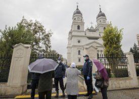 Episcopul Huşilor: Să nu îşi închipuie apostolii lockdown-ului că o vor putea carantina vreodată pe Sfânta Parascheva