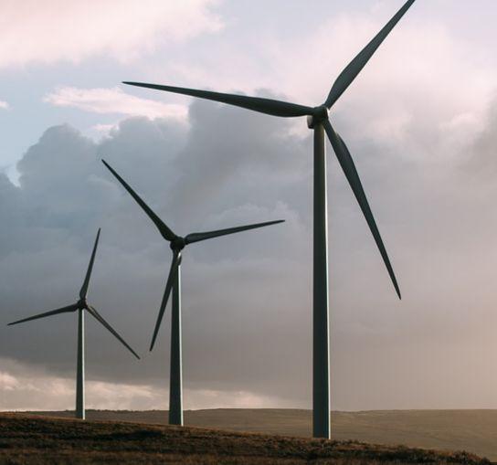 Trecerea la energie regenerabilă ar crea 10 milioane de joburi noi
