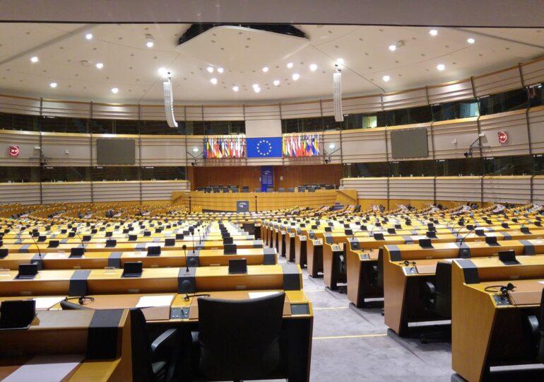 Statul de drept: PE vrea să readucă Ungaria și Polonia pe calea cea bună