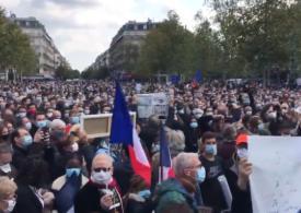 Profesor decapitat în Franţa: Zeci de mii de oameni au ieșit în stradă ca să-i aducă un omagiu