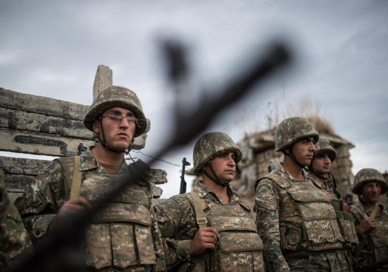 Anchetă pentru crime de război în conflictul din Nagorno-Karabah, după un clip în care doi soldaţi armeni ar fi executaţi de azeri