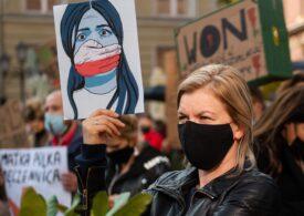 Orașe blocate de manifestanți în Polonia, unde guvernul naţionalist și ultracatolic a restricționat avortul ca în România lui Ceaușescu