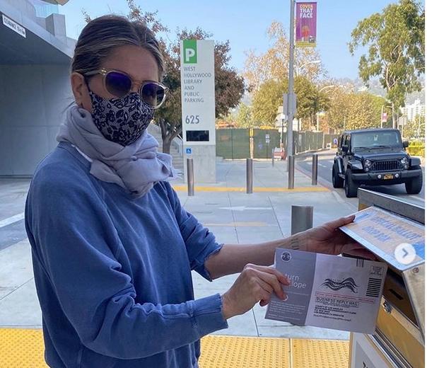 Jennifer Aniston îşi îndeamnă fanii să nu voteze cu Kanye West nici măcar în glumă: Fiţi responsabili, vă rog!