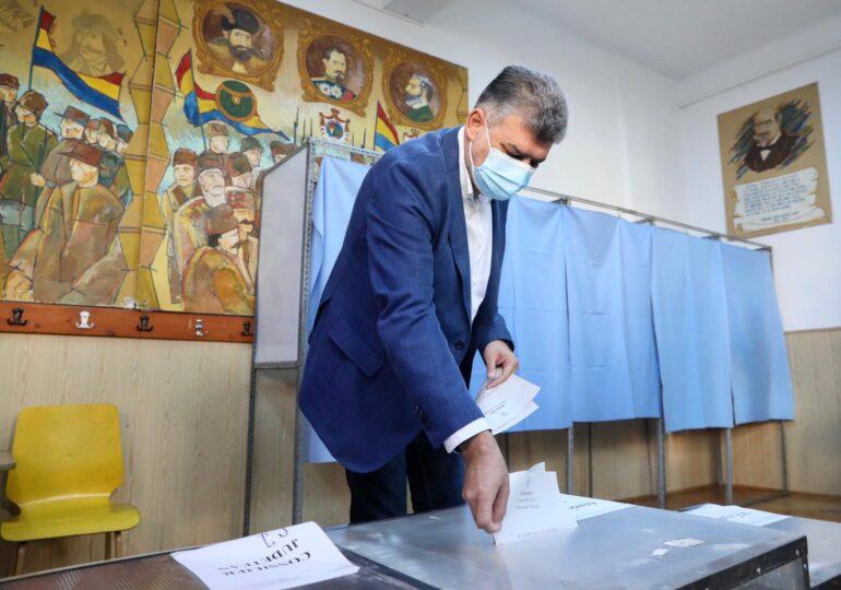 """Ciolacu se vaccinează """"categoric"""" antiCovid, dar e bucuros că nu există o lege a vaccinării obligatorii"""