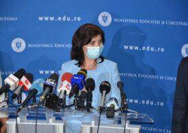 """Ministrul Educației anunță că școlile se închid în București """"cel mai probabil"""" de marți"""