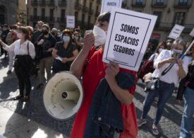 Spania va fi în stare de urgenţă 6 luni: Catalonia se închide de tot, Madridul doar în weekend. Oamenii se tem de cea mai gravă recesiune din ultimul secol