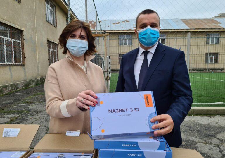 Monica Anisie: Fondurile europene pentru tablete și laptopuri s-au epuizat în trei zile
