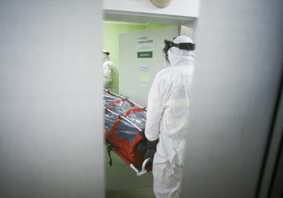 Bilanțul pandemiei rămâne dramatic: 9.460 de cazuri noi de COVID și 129 de morți în ultimele 24 de ore
