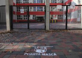 Peste 200 de unităţi de învăţământ au trecut în scenariul roşu, de ieri până azi. În total s-au închis deja 4.265