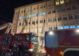 Incendiul de la spitalul din Piatra Neamț: 10 morți și 7 răniți. Primele informații despre sursa focului. Doctorii belgieni sunt optimiști în ce-l privește pe medicul erou (Foto şi video)