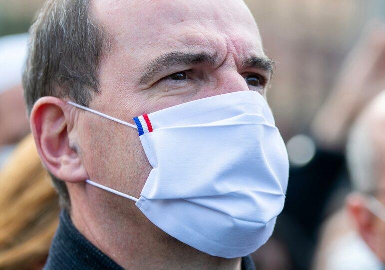 Franța se pregătește pentru restricții pe termen lung. Adunările în familie, petrecerile, barurile si restaurantele, cel mai probabil interzise multe luni de zile de acum incolo