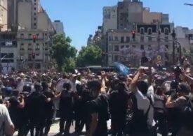 Incidente la înmormântarea lui Maradona: Poliția a folosit gaze lacrimogene (Video)