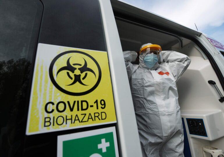 COVID-ul e mult mai grav decât o gripă. Au murit de trei ori mai mulți oameni din cauza noului virus, arată un studiu